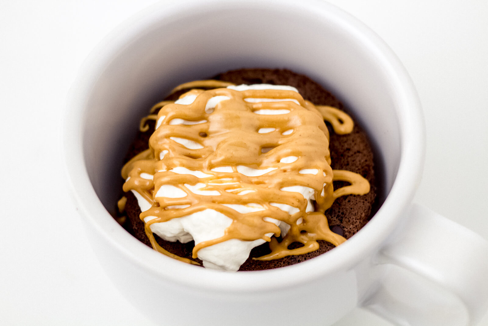 Quick And Delicious Keto Chocolate Mug Cake Recipe Made With Coconut Flour Bake It Keto