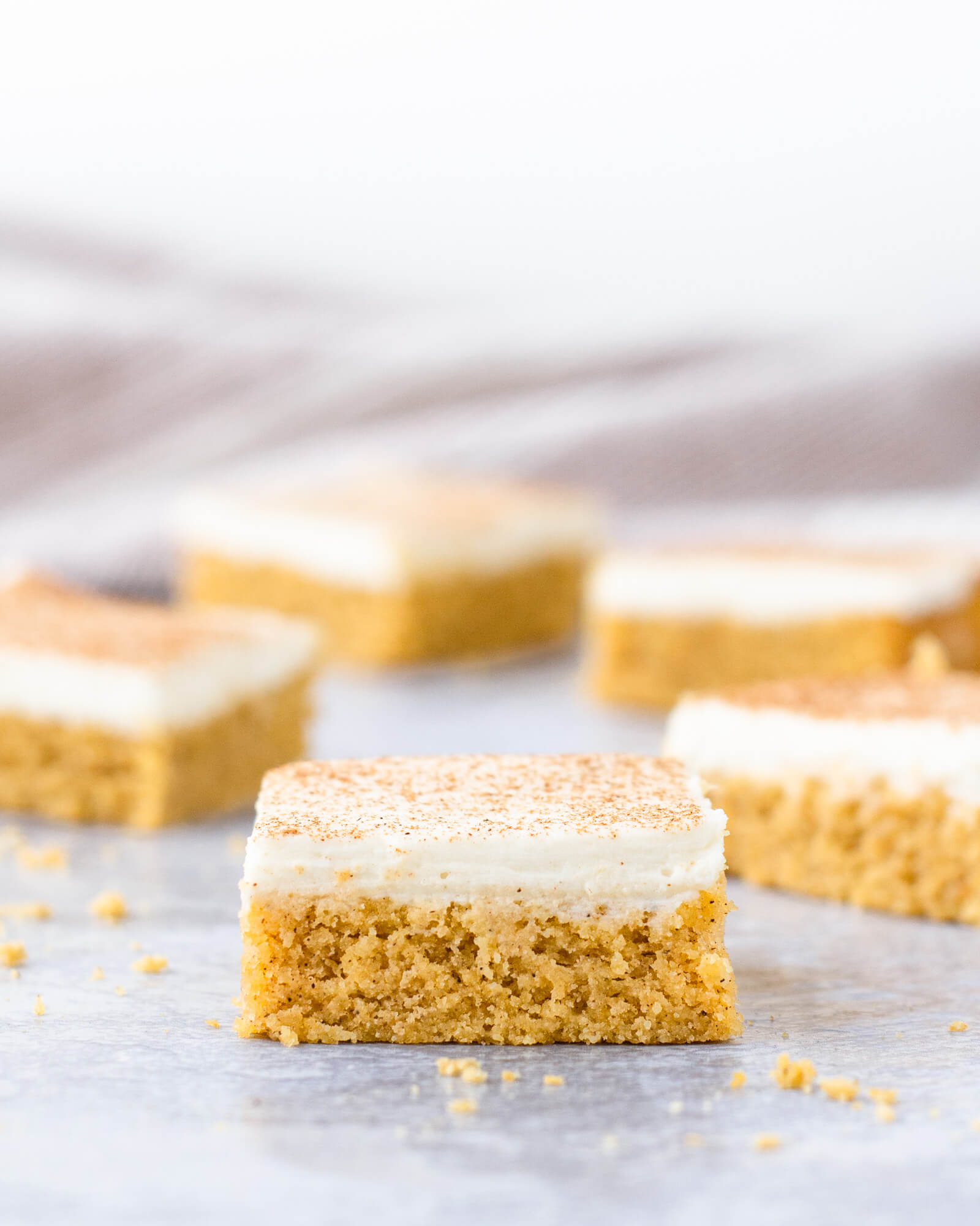 low carb pumpkin spice cookies with cream cheese frosting